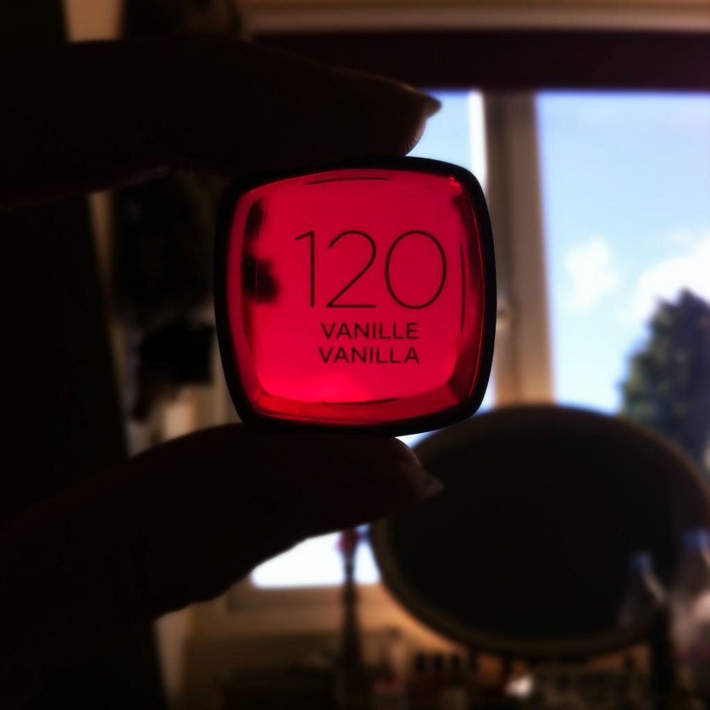 L'Oreal Infallible 24H Foundation 120 Vanilla