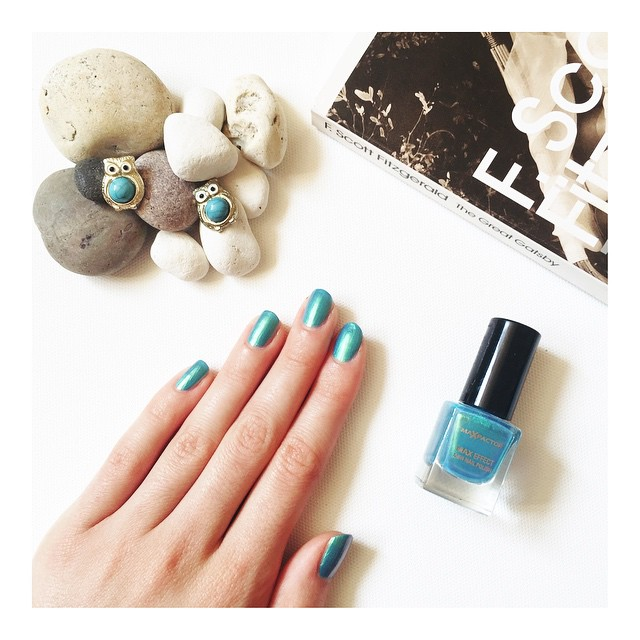 June Favourites - MaxFactor Max Colour Effects Nail Polish in Dazzling Blue