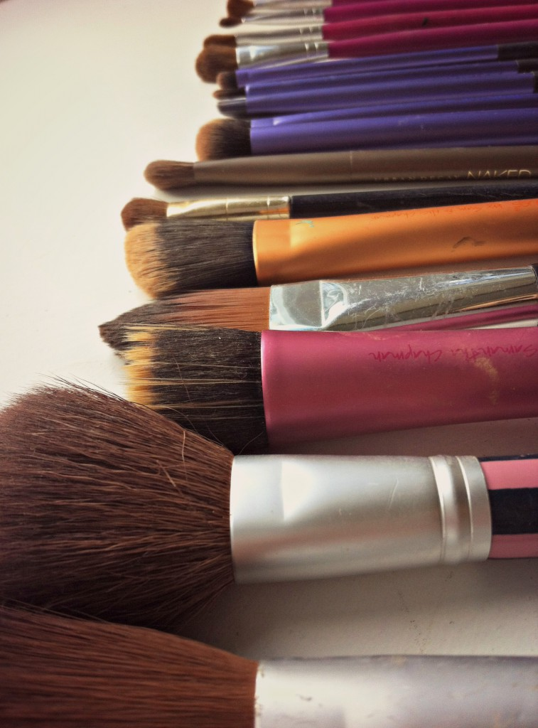 How To Wash Makeup Brushes 2