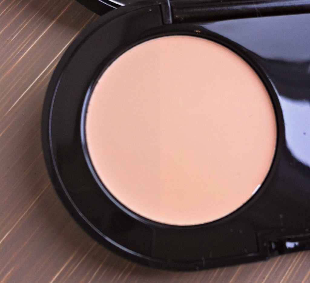 Bobbi Brown Creamy Concealer - Concealer