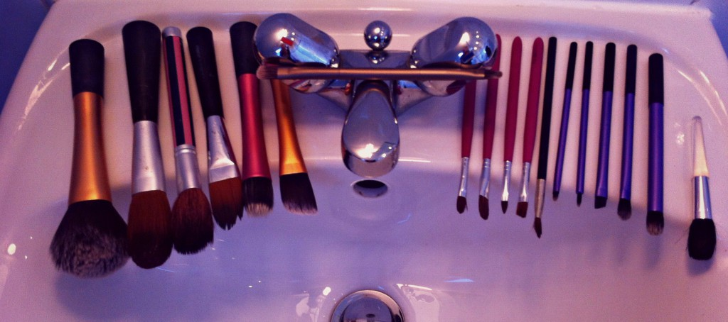 How To Wash Makeup Brushes 6