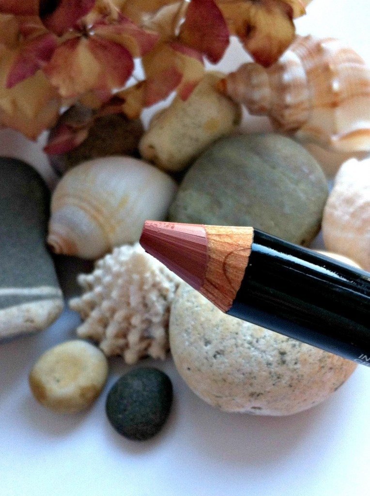Maybelline Color Drama Lip Pencils Nude Perfection