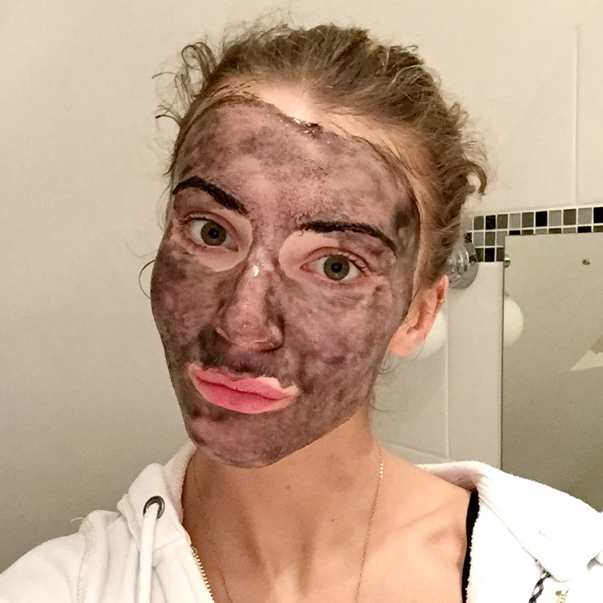 Montagne Jeunesse Black Seaweed Peel Off Face Mask Selfie