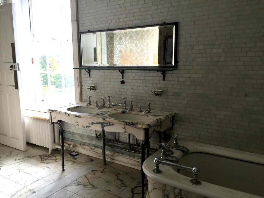 Polesden Lacey - marble bathroom