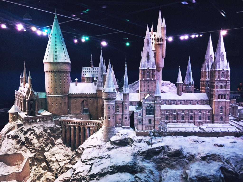 Warner Bros Studio Tour - The Making of Harry Potter Hogwarts Model